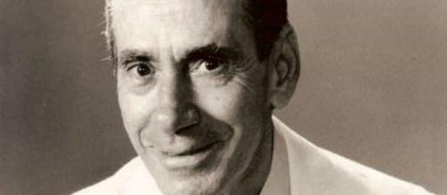 Cantor Nélson Gonçalves faria cem anos em 21/06: voz inconfundível da Era do Rádio. (Arquivo Blasting News)