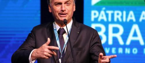 Presidente Jair Bolsonaro recua na decisão do decreto de porte de armas de fogo. (Arquivo Blasting News)
