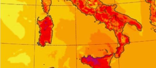 Campania, da domani temperature fino a 40 gradi: rischio colpo di calore e infarto. I sintomi -