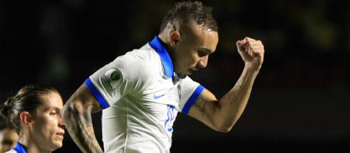 Everton vem caindo nas graças de companheiros e comissão técnica. (Arquivo Blasting News)