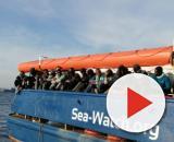 Migranti, la Sea Watch 3 lancia una raccolta di fondi per pagare un'eventuale sanzione