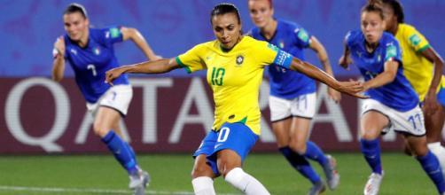 Durante a Copa do Mundo de Futebol Feminino, Marta se tornou a atleta com mais gols em Copas. (Arquivo Blasting News)
