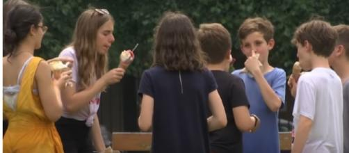 France on hot weather alert as heatwave reaches Europe. [Image source/FRANCE 24 English YouTube video]