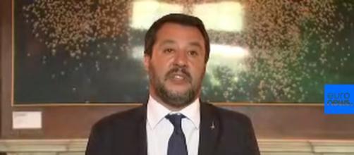 Salvini viene querelato per diffamazione dopo le sue frasi contro i canapa light shop