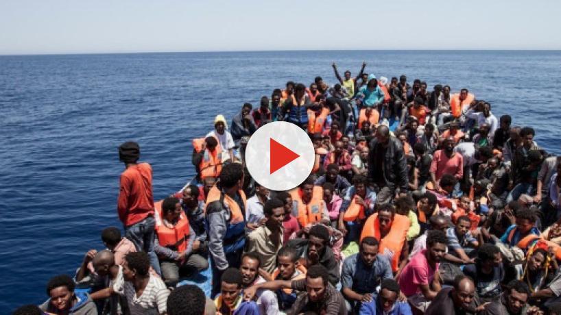 Migranti, la capitana tedesca della nave della ONG vuole forzare il blocco