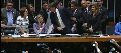 Bolsonaro e advogada indicada pelo STF discutiram em 2016. (Reprodução/TV Câmara)