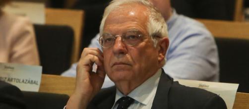 Borrell deja de ser eurodiputado y vuelve a ser ministro