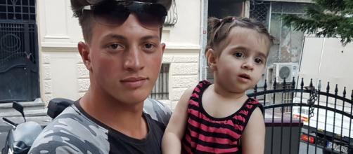 Jovem argelino salva menina que caiu do segunda andar em Istambul. (Arquivo Blasting News)