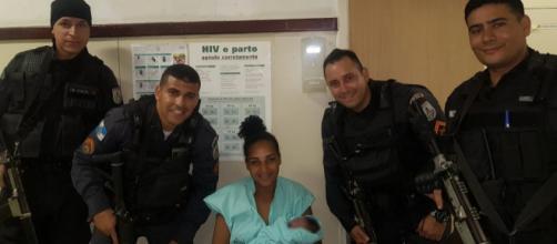 Mulher está sob custódia no hospital. (Divulgação/ Polícia Militar)