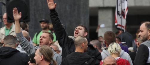 Germania, l'allarme dei servizi: 'C'è una forte crescita dell'estremismo di destra'