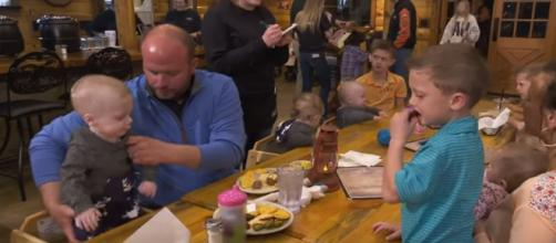 Valentine's day plans go awry for the Sweet Home Sextuplets - Image credit - TLC / YouTube