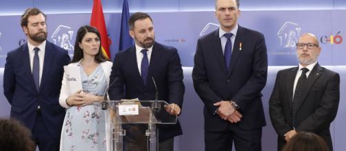 VOX presenta una querella contra Zapatero por colaborar con ETA