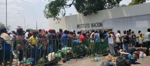 Migrantes reciben ayuda en el estado de Chiapas. - notinucleo.com