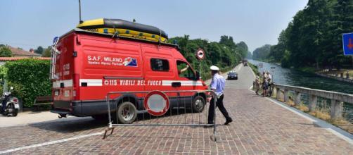 Milano, due ragazzi disabili cadono nel Naviglio: uno morto, l'altro gravissimo