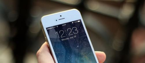 Da luglio aumenti fino a 3 euro al mese per telefoni fissi e cellulari.