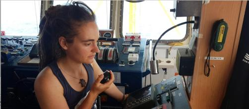 Sea Watch, Carola Rackete dopo l'arresto rischia carcere e ... - newsstandhub.com
