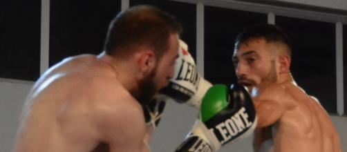 Gabriele Cossu, noto Chapo, in un combattimento boxe - Fonte: La Nuova Sardegna