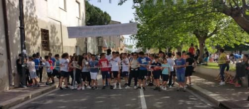 Gonnosfanadiga, Corsa contro la fame, 7 giugno: alunni e dirigente scolastico.