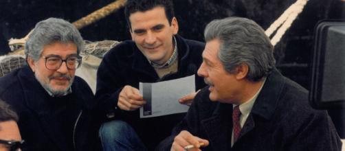Massimo Troisi con Marcello Mastroianni ed Ettore Scola.