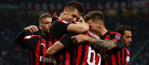 Il Milan deve fare importanti mosse di mercato, sia per la rosa che per allenatore e dirigenti.