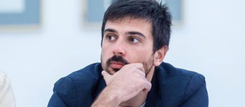Ramón Espinar se postula para salvar Podemos
