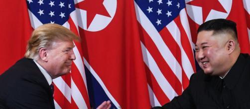 Trump si incontra per la terza volta con Kim, la prima in Corea del Nord.