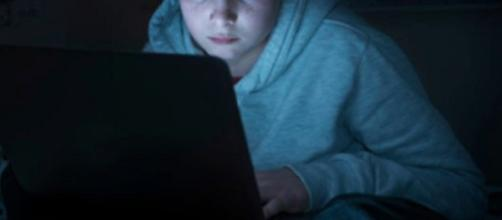 Torino, la madre gli toglie il computer: 19enne si butta dal quinto piano, è grave