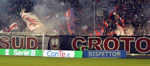 Crotone-Roma, i tifosi calabresi pagano il biglietto ad un ... - corrieregiallorosso.com