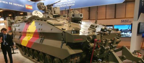 """El prototipo de vehículo de zapadores """"Castor"""", estrella principal de la FEINDEF."""