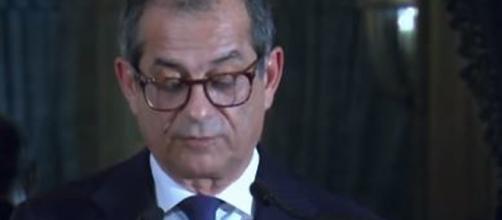 Il Ministro dell'Economia Tria detta le linee guida per il futuro.