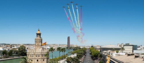 La Patrulla Águila abre el desfile del DIFAS 2019 con Sevilla como anfitriona.