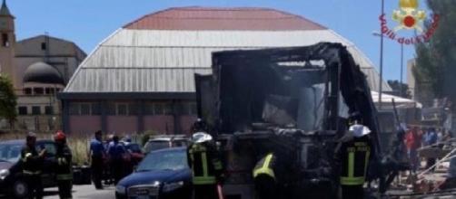 Gela, esplode una bombola di gas al mercato rionale: 14 feriti, 5 sarebbero gravi