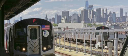 Os famosos adoram andar no metrô de Nova York. (Arquivo Blasting News)