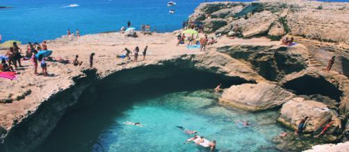 Turismo, fuga dal mare italiano: tra le destinazioni a picco c'è la Puglia