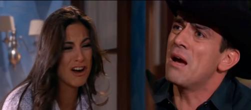 Ana Paula e Rogério, de 'A Que Não Podia Amar'. (Reprodução/Televisa)