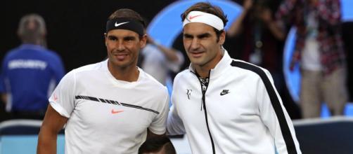 Nadal e Federer vão decidir uma vaga na final do Grand Slam francês. (Arquivo Blasting News)