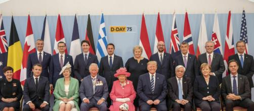 Thank you': Queen honors D-Day veterans at moving ceremony - Photo source - Guardian/youtube.com
