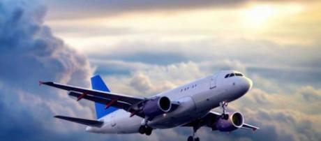 Los pasajeros de un avión American Airlines se asustan por una nube