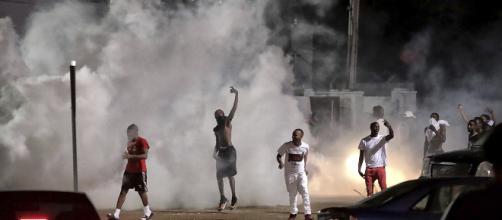 Duri scontri a Memphis dopo l'uccisione di Brandon Webber.