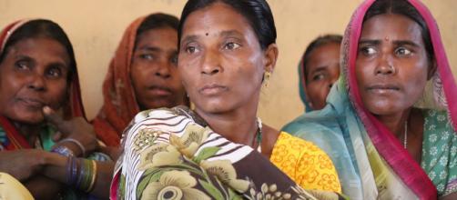 Afeitan la cabeza a una madre y a su hija por permitir que las violaran