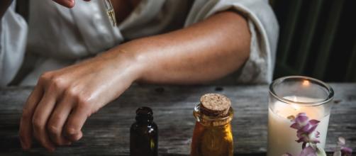Más del 20% de los británicos usan aceite de cocinar para broncearse