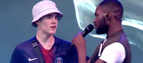 Un fan du PSG monte sur scène et fait le buzz - Photo publiée sur le site Flipboard