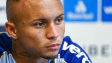 Everton diz que ainda não tem proposta concreta para deixar o Grêmio