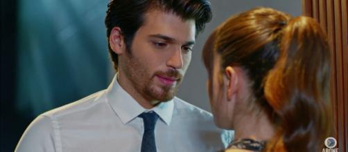 Do you notice Ferit would look at Nazlı's lips a lot? (Dolunay ... - pinterest.com