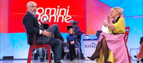 Gossip Uomini e donne: Rocco Fredella difende la fidanzata Dory dagli haters