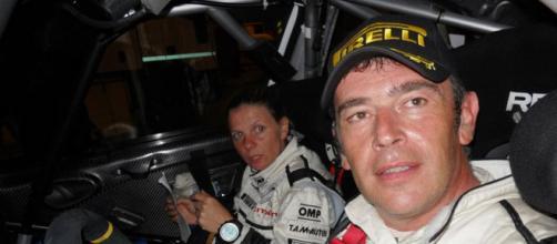 Il pilota comasco Felice Re e la sua copilota e compagna Mara Bariani