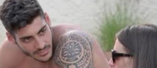 Temptation Island, Javier Martinez conquista Ilaria, lei lascia il Massimo?