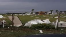 Brindisi, maltempo devasta la costa nord: crolla il tetto di un supermercato
