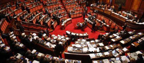 Con la nuova legge del taglio dei Parlamentari si avranno oltre un terzo di rappresentanti in meno.