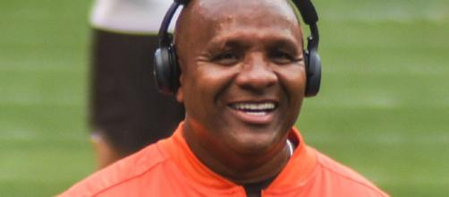 Hue Jackson said something stupid again [Image via Eric Drost/Wikimedia Commons]